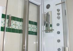Naher El Founoun - ซแฟกส์ - ห้องน้ำ