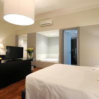 SuiteDreams Guestroom