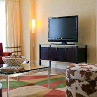 Renaissance Raleigh North Hills Hotel Guest room