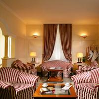 Hotel Villa Torlonia Lobby Sitting Area