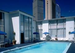 The Midtown Hotel - บอสตัน - สระว่ายน้ำ