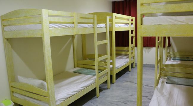 Hotel Jodhpur Beds And Breakfast - Jodhpur - Bedroom