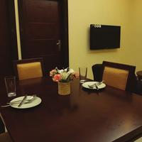 Tanzanite Executive Suites Deluxe Suite Lounge