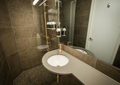 Arken Hotel & Art Garden Spa - กอเทนเบิร์ก - ห้องน้ำ
