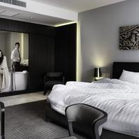 S Ratchada Leisure Hotel Guestroom