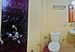 Airport Sky Inn - ชัยปุระ - ห้องน้ำ