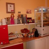 Hotel Victor Hugo Breakfast Area