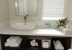The Atwood - ซานดีเอโก - ห้องน้ำ