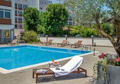Hotel Capannelle - โรม - สระว่ายน้ำ