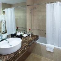 Majestic Hotel Tower Bathroom