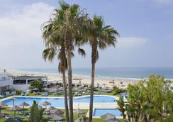 Conil Park Hotel - โกนิล เด ลา ฟรอนเตรา - ชายหาด