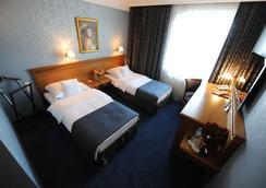 Hotel Wloski - พอซนาน - ห้องนอน