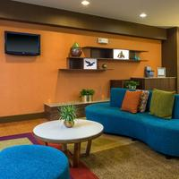Fairfield Inn and Suites by Marriott Jacksonville Airport Lobby Sitting Area