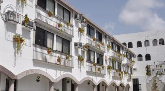Hacienda de Castilla - Cancun - Building