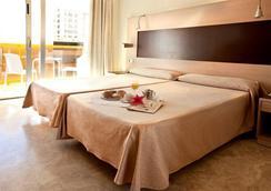 Hotel & Spa Dynastic - เบนิดอร์ - ห้องนอน