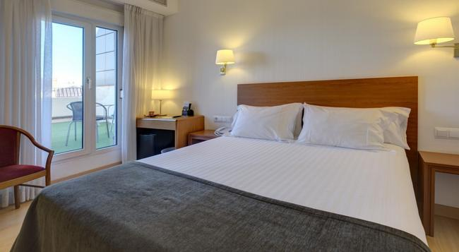 Hotel Ultonia - Girona - Bedroom