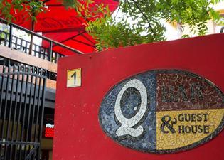 Q-Bar & Guesthouse