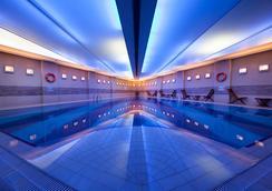 Point Hotel Taksim - อิสตันบูล - สระว่ายน้ำ
