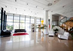 Villa Alojamiento y congresos - อาลีคานเต - ล็อบบี้