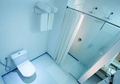 Bogari Hotel - ฟอส โด อีกวาซู - ห้องน้ำ