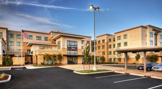 Residence Inn by Marriott Portland Airport at Cascade Station - Portland - Building
