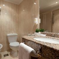 Hotel Sercotel Ciudad De Burgos Bathroom