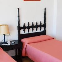 Hotel Don Quijote Guestroom