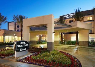 Courtyard by Marriott Long Beach Airport
