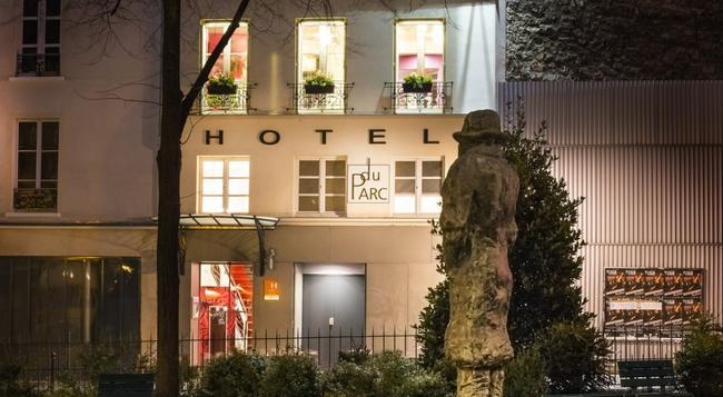 Hotel du Parc - Paris - Building