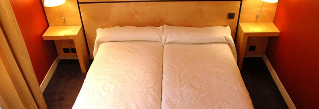 Hotel Beausejour Ranelagh - Paris - Bedroom