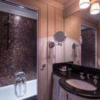Odeon Saint Germain Bathroom