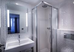 Hotel Royal Opera - ปารีส - ห้องน้ำ