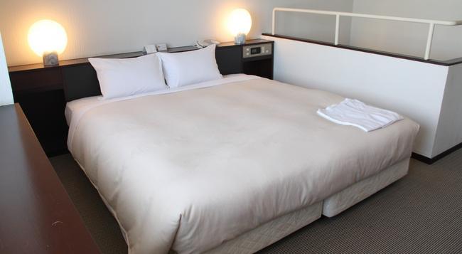 Hotel Sunroute New Sapporo - Sapporo - Bedroom