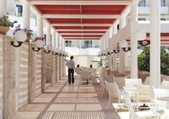 Louis Phaethon Beach - ปาฟอส - ร้านอาหาร