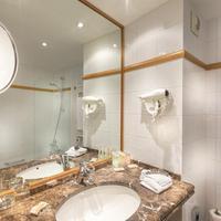 Hotel Royal Saint Michel Bathroom