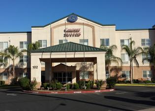 Comfort Suites Fresno River Park