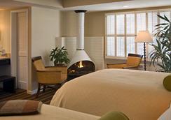 Casa Munras Garden Hotel & Spa - มอนเทอเรย์ - ห้องนอน