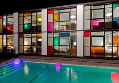 The Verb Hotel - บอสตัน - สระว่ายน้ำ