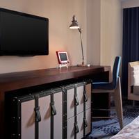 Le Méridien New Orleans Guest Room - Detail