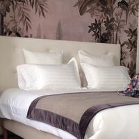 Taylor Hotel Guestroom