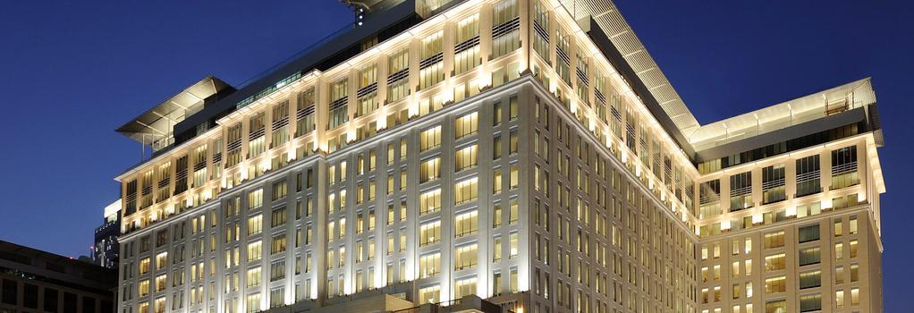 The Ritz-Carlton Dubai International Financial Centre - Dubai - Building