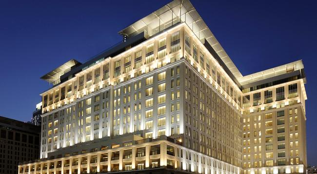 The Ritz-Carlton Dubai International Financial Centre - Dubai - Building