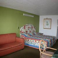 Budget Inn Guestroom