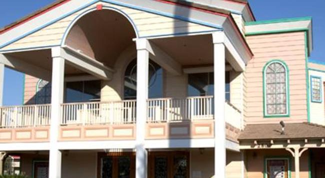 E-z 8 Motel Bakersfield - Bakersfield - Building
