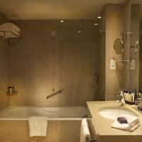 Corinthia Hotel Lisbon Bathroom