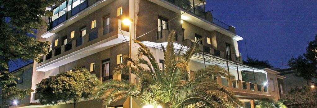Hotel Memory - Rimini - Building