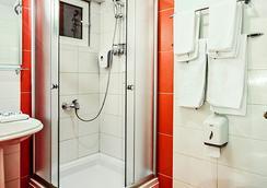 Hotel Victoria - สโกเปีย - ห้องน้ำ