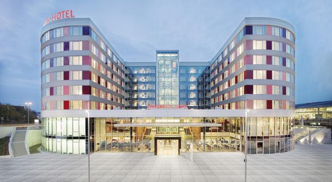 Movenpick Hotel Stuttgart Airport & Messe - Stuttgart - Building