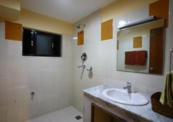 Royal Astoria Hotel - กาฐมาณฑุ - ห้องน้ำ