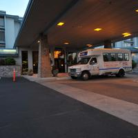 Shilo Inn Suites Hotel - Portland Airport Shilo Inns Portland Airport Front Entrance and Shuttle